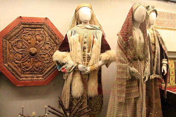 Statuette-di-terracotta - Vestito-nuziale-tradizionale