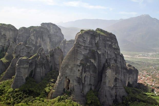 monasteri-delle-meteore-grecia-rocce-nel-cielo2