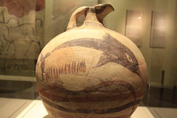 Giara con decorazioni policromatiche - Museo Archeolgico Nazionale di Atene