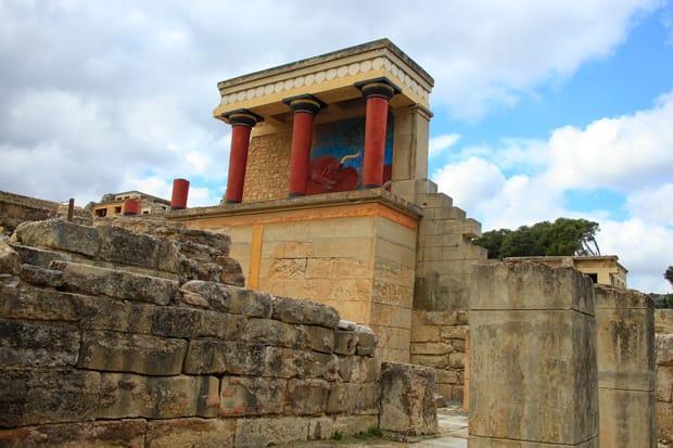 Rovine del palazzo di Cnosso dall'entrata Nord